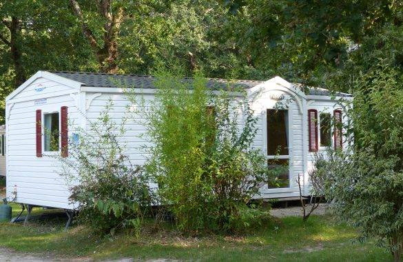 un mobil home 4/5 places - Camping Les Parcs