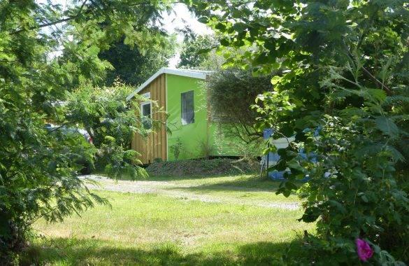 un mobil home tithome - Camping Les Parcs