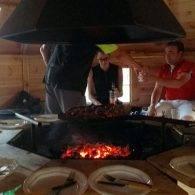 une grillades entre amis au camping les parcs - Camping Les Parcs