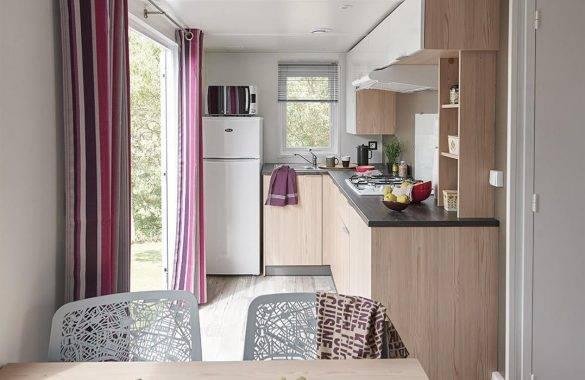 la cuisine du mobil home 4/6 pers au camping les parcs - Camping Les Parcs