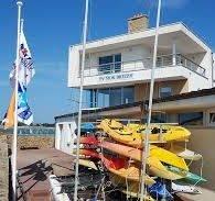 les infrastructures du club nautique à pénestin - Camping Les Parcs