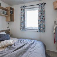 la chambre parentale du mobil-home lodge 80 - Camping Les Parcs